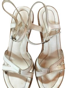 8742fd243cd1 Steve Madden Sandals - Up to 90% off at Tradesy