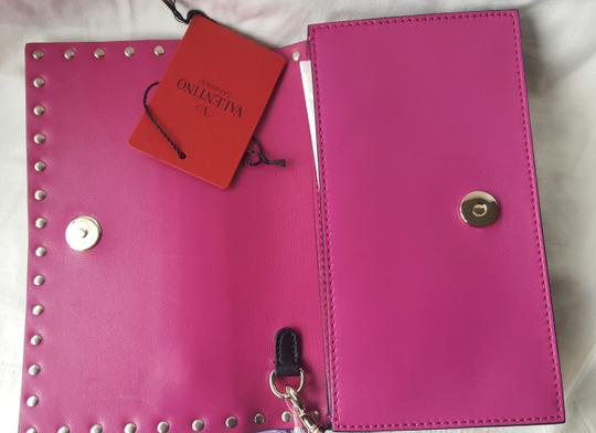 Valentino Small Rockstud Leather Pink and black Clutch Image 5