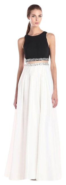 Preload https://img-static.tradesy.com/item/16058059/decode-18-black-and-white-two-piece-embroidered-gown-long-formal-dress-size-0-xs-0-1-650-650.jpg