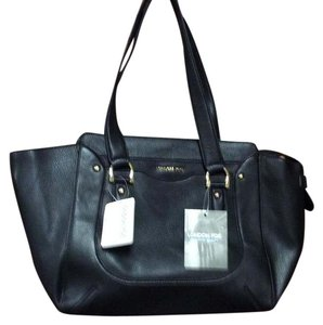 London Fog Nice Great Size Many Uses Tote in Black