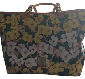 Dooney & Bourke Tote in Yellow And White