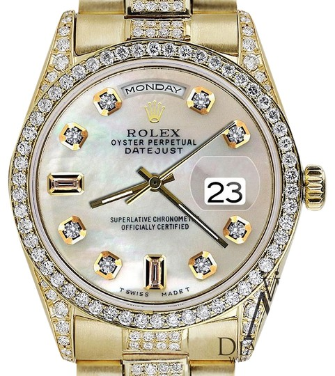 Preload https://img-static.tradesy.com/item/16061680/rolex-yellow-gold-presidential-day-date-tone-dial-diamond-18-kt-gold-watch-0-1-540-540.jpg
