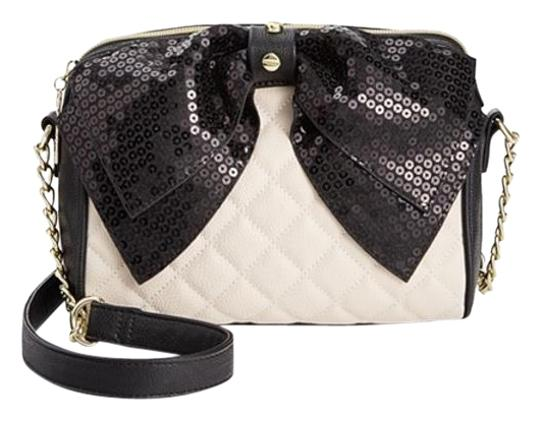 Preload https://img-static.tradesy.com/item/16061839/betsey-johnson-diamond-quilted-sequin-black-bowbone-faux-leather-cross-body-bag-0-1-540-540.jpg