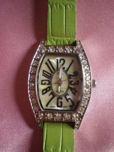Gucci GG Mother of Pearl crystals watch