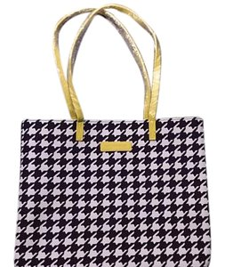 Vera Bradley Nwt Practical Durable Tote in Midnight Houndstooth with Hello Yellow Trim
