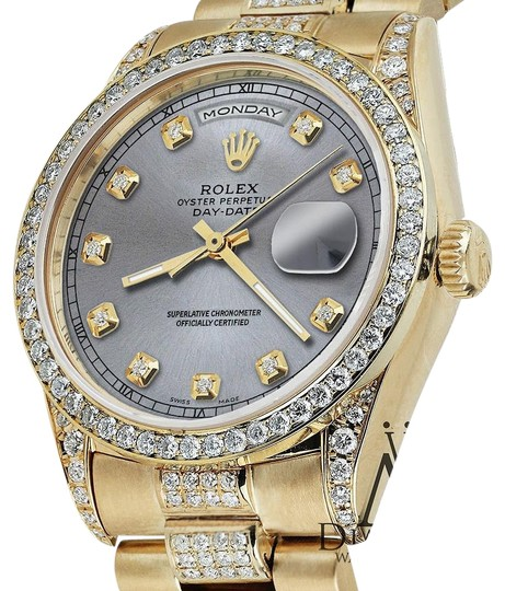 Preload https://img-static.tradesy.com/item/16066006/rolex-presidential-36mm-day-date-grey-dial-diamond-18-kt-yellow-gold-watch-0-2-540-540.jpg