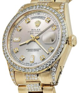 Rolex Rolex Presidential Day-Date Silver Dial Diamond Accent Watch 18 KT Yellow Gold