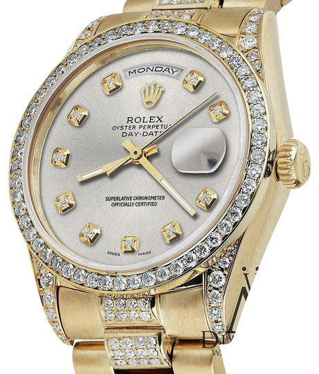 Preload https://img-static.tradesy.com/item/16066453/rolex-presidential-day-date-tone-diamond-accent-18kt-yellow-gold-watch-0-1-540-540.jpg