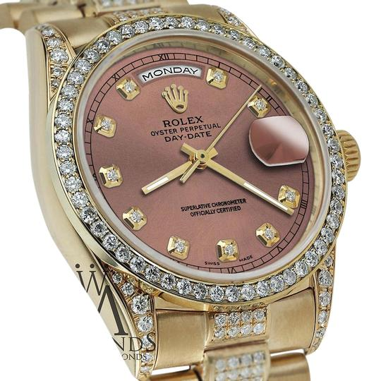 Preload https://img-static.tradesy.com/item/16068472/rolex-presidential-day-date-36mm-salmon-dial-diamond-18kt-yellow-gold-watch-0-1-540-540.jpg