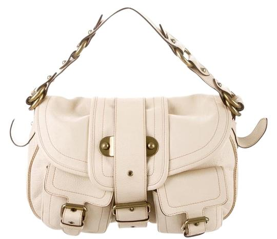 Preload https://img-static.tradesy.com/item/16068946/marc-jacobs-buckle-accented-cream-leather-shoulder-bag-0-1-540-540.jpg