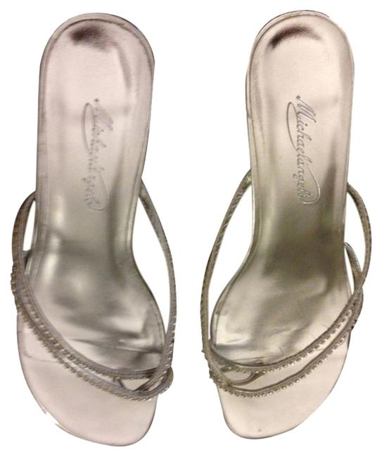 Item - Silver Sandals Size US 8 Regular (M, B)