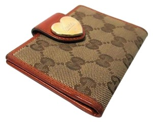 Gucci Authentic Gucci Monogram GG Canvas & Leather Heart Clasp Card Wallet