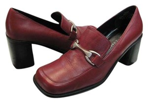 Hillard & Hanson Size 9.50 M Leather Very Good Condition Red, Pumps
