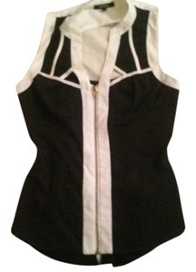 XOXO 98% Polyester 2% Spandex Top black and white