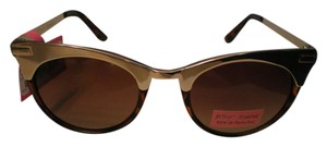 Betsey Johnson NWT very in style sunglasses by Betsey Johnson