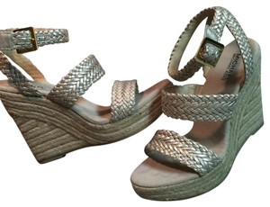 MICHAEL Michael Kors White Gold Wedges