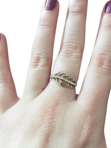 Urban Outfitters Crystal leaf ring