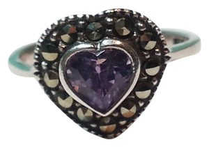 beautiful sterling silver 925 heart-shaped ring with amethyst Stone