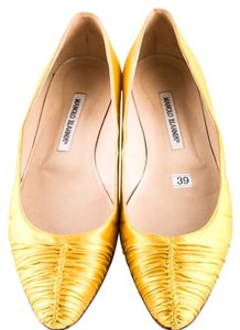 Manolo Blahnik Yello Flats