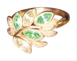 Avon Vintage Avon Gold Ring with green stones