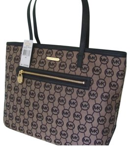 Michael Kors Tote in Black/Black/Beige
