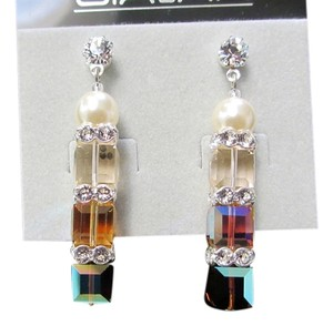 Giavan Giavan HOL221E (e-11) Swarovski Crystal Earrings/Pearl accent