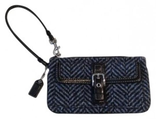 Preload https://item1.tradesy.com/images/coach-blue-and-black-tweed-with-leather-trim-wristlet-160790-0-0.jpg?width=440&height=440