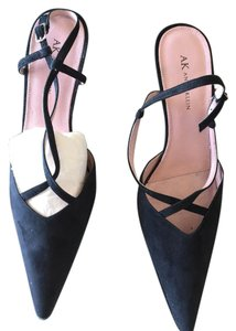Anne Klein Black suede Pumps