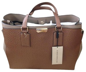 Burberry Tote in Nut Brown