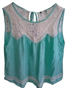 Ya Los Angeles Sleeveless Lace Trim Top Light green