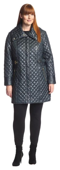 Preload https://img-static.tradesy.com/item/16082770/via-spiga-green-quilted-with-tabs-coat-size-16-xl-plus-0x-0-1-650-650.jpg
