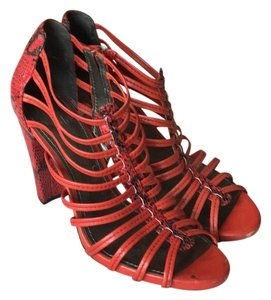 Linea Paolo Fire red with python print trim Pumps