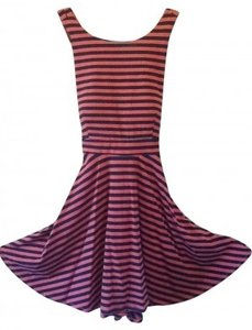 Preload https://item2.tradesy.com/images/coral-navy-knit-stripe-open-back-above-knee-short-casual-dress-size-6-s-160856-0-0.jpg?width=400&height=650