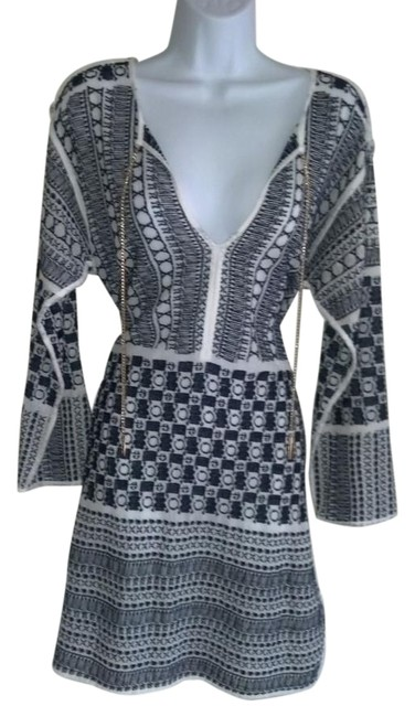 Item - Navy New Tunic Size 12 (L)