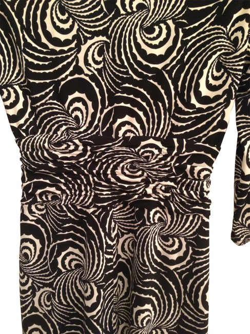 Preload https://item1.tradesy.com/images/laundry-by-shelli-segal-dress-black-and-white-print-160930-0-0.jpg?width=400&height=650
