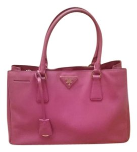 Prada Saffiano Saffiano Lux Pink Peony Tote in Peonia Pink