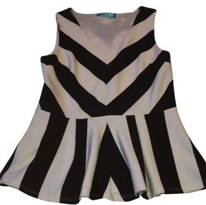 Francesca's Top Black White Stripe