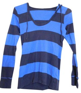 Old Navy T Shirt royal blue and black