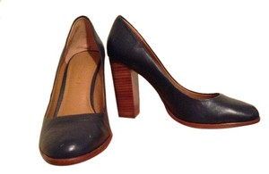 Banana Republic Leather Blue Wood Chunky Round Toe Navy Blue/Brown Pumps