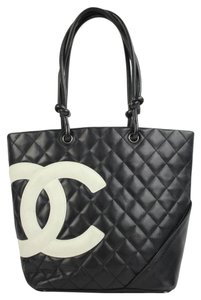 Chanel Neverfull Two-tone Tote in Black
