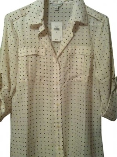 Preload https://item5.tradesy.com/images/banana-republic-cream-with-navy-polka-dots-front-pocket-blouse-button-down-top-size-8-m-160984-0-0.jpg?width=400&height=650