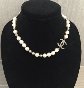 Chanel Chanel Pearl Choker Necklace