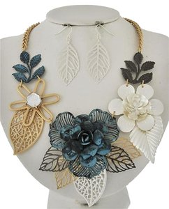 Tri-tone & Patina Flower Necklace & Earrings
