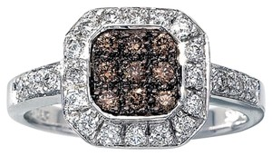 LeVian size 6.25, 14k white gold, 0.50TCW chocolate & vanilla diamond ring