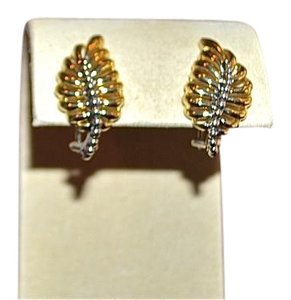Lagos New LAGOS 18K Yellow Gold Interlude Small Leaf Earrings Pierced Omega