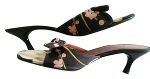 Salvatore Ferragamo Bow Tie Fabric Floral Black, Pink and White Sandals