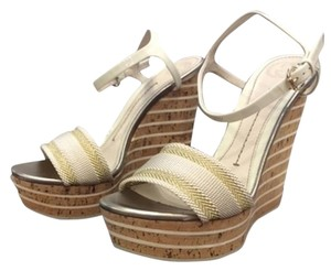 Gucci Open Toe White and gold Wedges