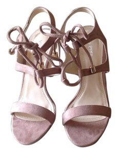Via Pinky Blush Sandals