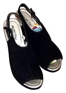 Kenneth Cole New Size 7.5 Black Wedges
