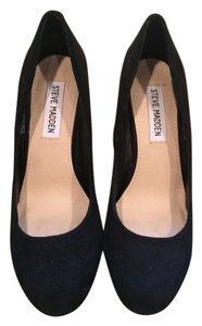 Steve Madden Black Suede Pumps